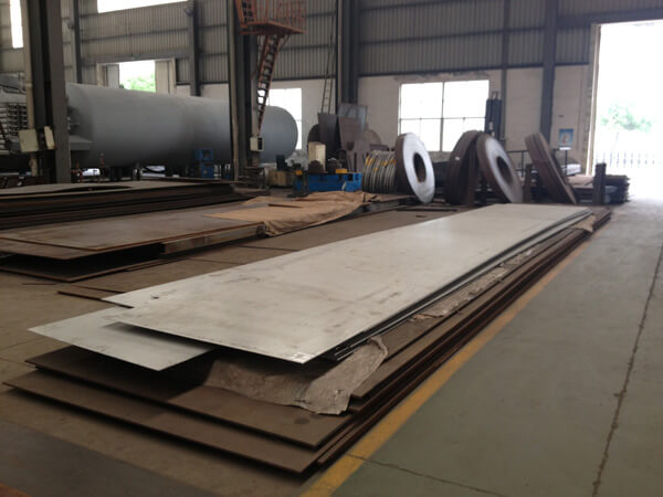 Taller de materia prima – placas de acero inoxidable