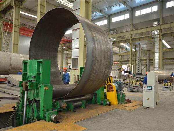 Máquina plegadora que puede plegar placas con un grosor de 50mm